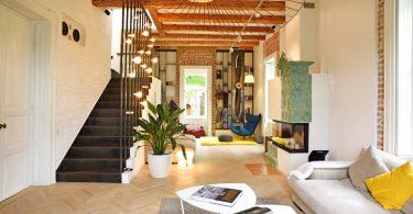 O casa istorica amenajata in stil contemporan